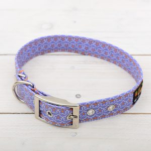 blue daisy collar